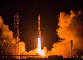 Un cohete ruso Protón se estrella segundos después de su despegue