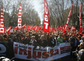 Baile de cifras y 'amenazas' al gobierno en las manifestaciones contra la reforma laboral