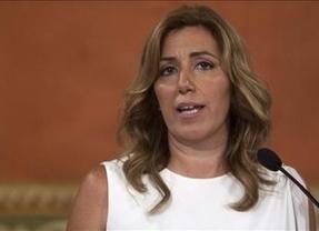 Susana Díaz vuelve a ejercer de líder nacional: se postula como mediadora entre Rajoy y Mas para desatascar el tema catalán