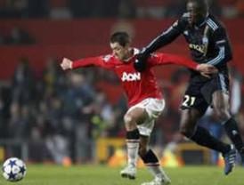Doblete de Javier Hernández da pase al M United a cuartos de Champions