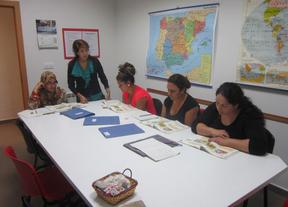 Cáritas pone en marcha 10 talleres de alfabetización y habilidades sociales en Ciudad Real