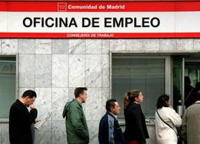 Los parados agotan las reservas: retiran cifras récord de sus fondos de pensiones