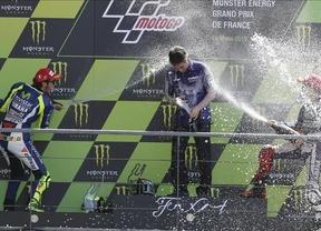 Lorenzo alarga su dominio y gana en MotoGP