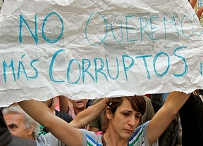 La corrupción derrumba (aún más) la confianza de los ciudadanos en los políticos