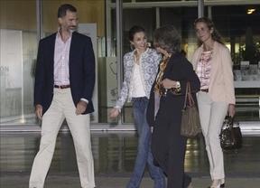 La Reina, los Príncipes y la infanta Elena, sin Cristina, arroparon al monarca, dando una imagen de unidad en la Familia Real