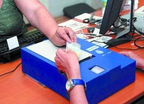 Haciendo 'caja': renovar el DNI será más caro al pasar por un teléfono 902