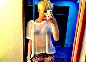 Miley Cyrus sigue exhibiéndose: de nuevo, ropa interior
