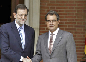 'Financial Times' insta a Rajoy a ceder a las