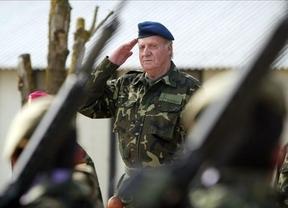 El Rey inaugura la Plaza de España en Mostar, Bosnia, en plena huelga nacional