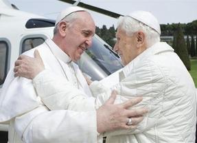 El Papa Francisco y Benedicto XVI protagonizan un encuentro histórico