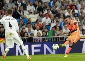 Con todo a favor... pero el Real Madrid desaprovecha los traspiés de Atlético y Barça y se estrella ante un Valencia luchador (2-2)