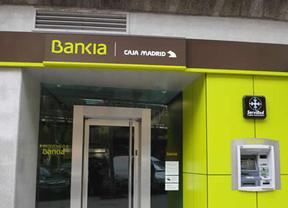 Bankia, en caída libre por la avalancha de ventas, pierde ya más de un 60% del valor de salida a bolsa