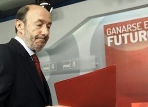 Rubalcaba avisa a Rajoy que si sigue sin afrontar la realidad, adoptará 'todas las medias que haga falta', sin descartar la censura