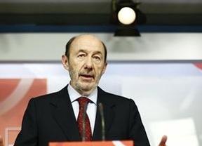 Rubalcaba anuncia que el PSOE pedirá un careo entre Bárcenas y Cospedal ante el juez Ruz