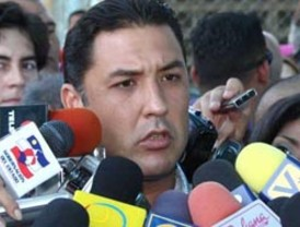 Gobernador Pérez considera que aunque el Presidente esté ausente los problemas en el país persisten