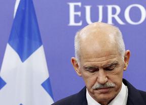 Papandreu negocia ya la formación de un gobierno interino para adelantar las elecciones