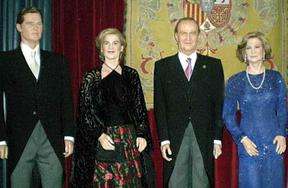 Urdangarín seguirá los pasos de Marichalar y saldrá de la Familia Real del Museo de Cera