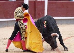 Beneficencia: destellos de Morante en pésima corrida con baile previo de corrales