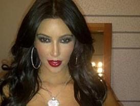 Kim Kardashian muestra su espectacular cuerpo en Twitter