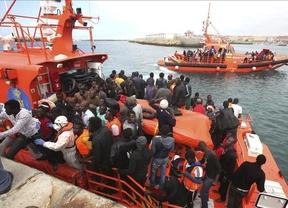 Gran operación de rescate en el Estrecho: 267 inmigrantes en 28 pateras