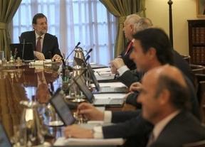 Wert, Montoro, Soria y Gallardón, de tocados a intocables: Rajoy blinda a sus ministros más polémicos