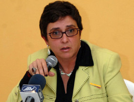 Llama Calderón a enfrentar retos del país en aniversario de Revolución