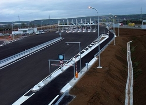Fomento trabaja con las autopistas en quiebra para buscar