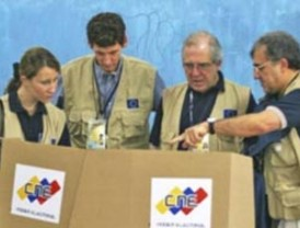 El Pleno del Parlamento rechaza recurrir el blindaje vasco