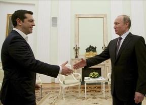 Tsipras tiende puentes con Rusia ante la atenta mirada del resto de la UE