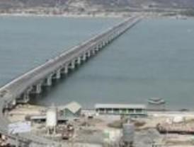 Abren puente que potencia el puerto de Manta