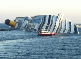 Ningún español hospitalizado tras el naufragio del crucero en Italia