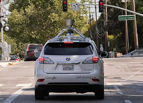 El coche sin conductor de Google ya se mueve por ciudad