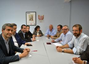 UGT y PSOE hablan de empleo en una reunión preelectoral en Talavera de la Reina