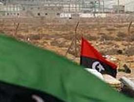 Las fuerzas de Gadafi explusan a los rebeldes de Ras Lanuf