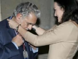 Plácido Domingo recibe la Orden de las Artes y Letras