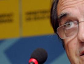 Aguirre 'culpa' a Rubalcaba del '�xito' de la huelga de profesores en Madrid