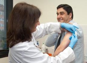 Echániz presenta la campaña contra la gripe y presume de ahorrar 1,50 euros en cada vacuna