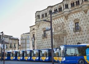 2.000 vecinos de Guadalajara opinan sobre los autobuses: solo seis, satisfechos con el servicio