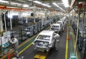 PSA Peugeot Citroën perdió 555 millones de euros en 2014