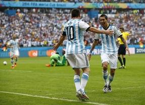 Messi vuelve a lucirse para colocar a Argentina primera de grupo