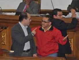 Zapatero insiste en que no tiene