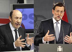 Rajoy y Rubalcaba hacen balance del año... ¿con política en mayúsculas, como les pidió el Rey?