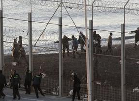 Ceuta vive el mayor intento de asalto de inmigrantes: 1.500 lo intentaron y ninguno logró entrar