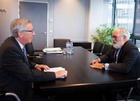 Juncker echa a Cañete a los 'leones': será comisario sólo si convence a la Eurocámara con sus explicaciones sobre la polémica machista