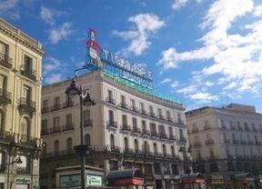 La Puerta del Sol recupera el controvertido cartel publicitario de Tío Pepe