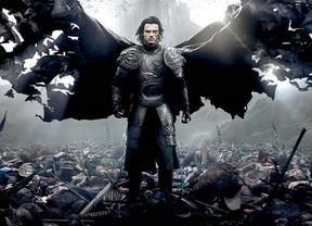 Luke Evans se convierte en el vampiro más famoso en 'Drácula. La leyenda jamás contada'