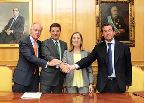 Firma del convenio de colaboración entre ANFAC y Adif