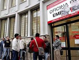 Zapatero reconoce dificultad para frenar desempleo