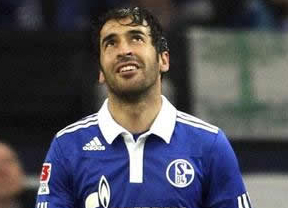 El Schalke no cuenta para la próxima campaña con Raúl, con ofertas millonarias de China