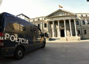 25-A: detenidos 3 jóvenes que portaban cócteles molotov para la convocatoria de 'Asedia al Congreso'